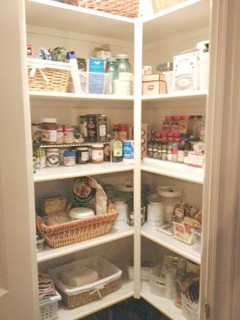corner pantry organization